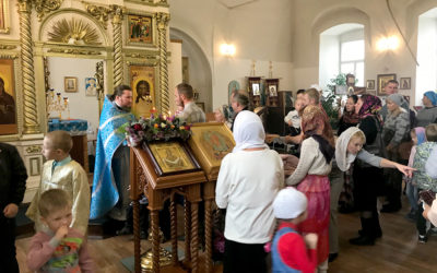 В Никольском храме встретили праздник Покрова